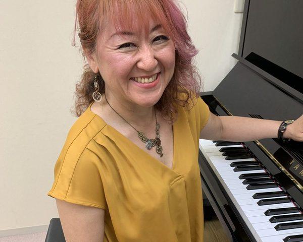 ジャズ・ポピュラーピアノ個人レッスン教室 神戸灘区 HALLELUJAH弾き語り演奏!!