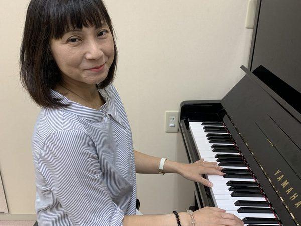 こども・大人のピアノ個人レッスン教室 神戸灘区 アラベスクを先生に演奏してもらいました!