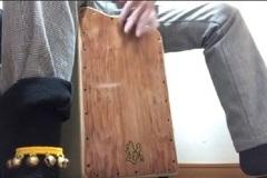 カホン個人レッスン教室 三宮・大阪 足に付ける鈴の演奏