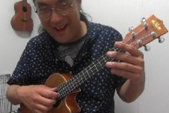 ウクレレ個人レッスン教室 神戸・三宮 先生と一緒に演奏!レッスン風景