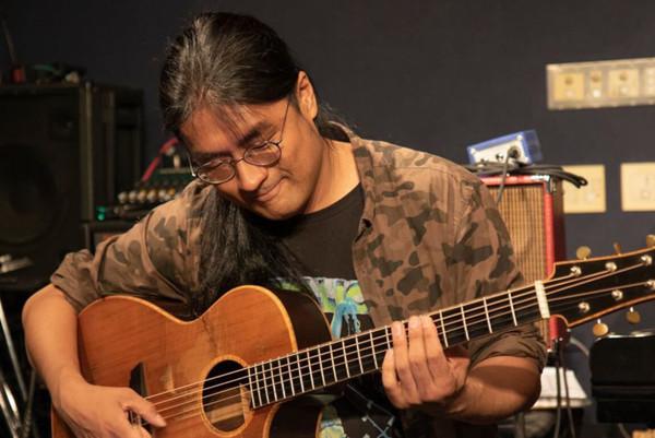 【神戸のギター教室】ならサークル音楽教室へ!格別の技術で指導します